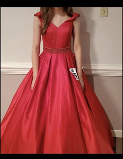 Red Size 00 Ball gown on Queenly