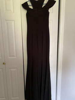 Xscape Black Size 6 Straight Dress on Queenly