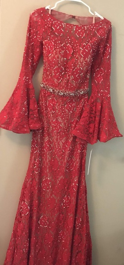 Sherri hill Red Size 6 Train Dress on Queenly