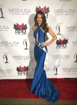 Queenly size 4  Blue Mermaid evening gown/formal dress