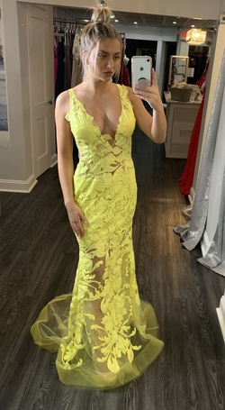 Queenly size 6 Jovani Yellow A-line evening gown/formal dress