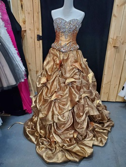 Queenly size 2 Quinceanera Designs Gold Ball gown evening gown/formal dress