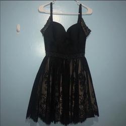 Sherri Hill Black Size 2 Winter Formal Sorority Formal Cocktail Dress on Queenly