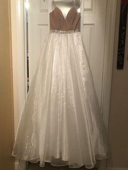 Jonathan Kayne White Size 2 Velvet Ball gown on Queenly