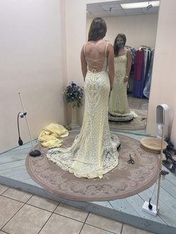 Sherri Hill Yellow Size 4 Sheer Prom Mermaid Dress on Queenly