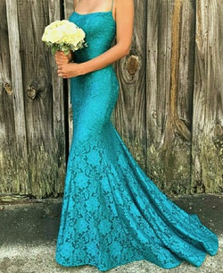 Style 53359 Sherri Hill Green Size 2 Lace A-line Dress on Queenly