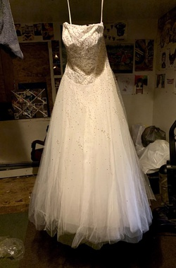 Queenly size 8 Mori Lee White Ball gown evening gown/formal dress