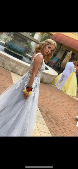 Sherri Hill White Size 4 Lace Prom Ball gown on Queenly