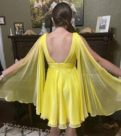 Mac Duggal Yellow Size 6 Pageant Cape Cocktail Dress on Queenly