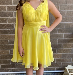 Queenly size 6 Mac Duggal Yellow Cocktail evening gown/formal dress
