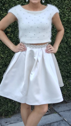 Queenly size 0 Sherri Hill White Cocktail evening gown/formal dress