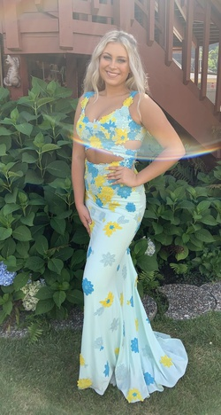 Jovani Multicolor Size 2 Floral Straight Dress on Queenly