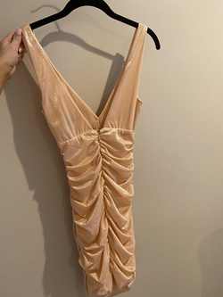 Nude Size 00 Cocktail Dress on Queenly