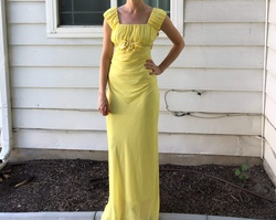 Jody Yellow Size 4 Straight Dress on Queenly