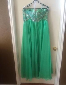 Sherri Hill Green Size 18 Sweetheart Ball gown on Queenly