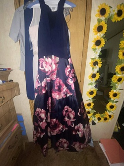 Multicolor Size 8 Train Dress on Queenly