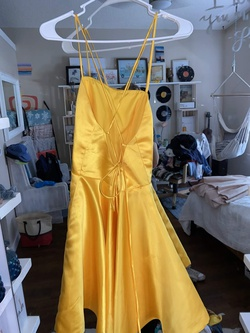 dream dressy Yellow Size 4 Homecoming Ball gown on Queenly