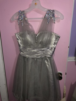 Dancing Queen Silver Size 4 Cocktail Dress on Queenly