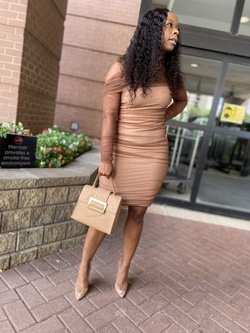 Nude Size 8 Cocktail Dress on Queenly