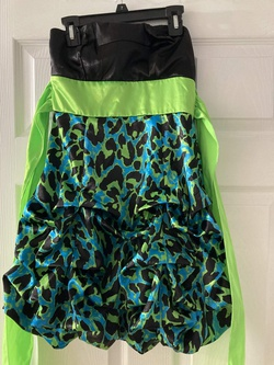 Multicolor Size 4 Cocktail Dress on Queenly