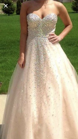 Nude Size 4 Ball gown on Queenly