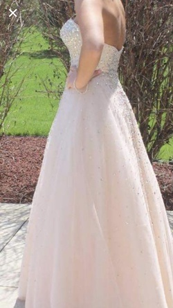 Queenly size 4  Nude Ball gown evening gown/formal dress