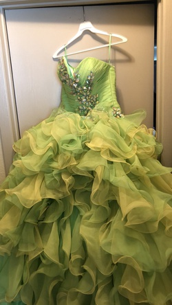 Queenly size 8  Yellow Ball gown evening gown/formal dress