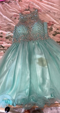 Queenly size 2  Green Cocktail evening gown/formal dress