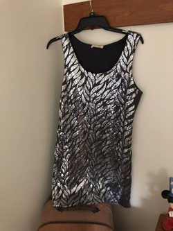 Queenly size 4  Silver Cocktail evening gown/formal dress