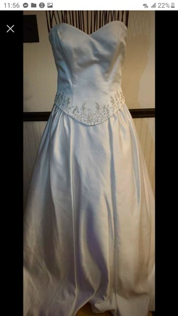Queenly size 6 Demetrios White Ball gown evening gown/formal dress