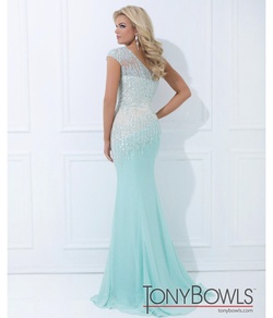 Tony Bowls Green Size 0 Prom Light Blue Sequin Mermaid Dress on Queenly