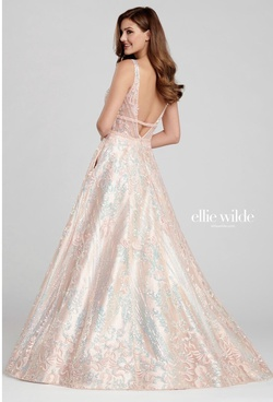 Ellie Wilde Gold Size 00 Prom A-line Dress on Queenly