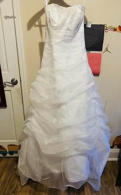 David's Bridal White Size 10 Ruffles Wedding Train Dress on Queenly