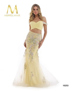Queenly size 8 Morrell Maxie Yellow Mermaid evening gown/formal dress