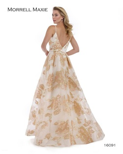 Style 16091 Morrell Maxie Yellow Size 6 Plunge Print Side slit Dress on Queenly