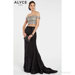 Style 60506 Alyce Paris Black Size 4  on Queenly