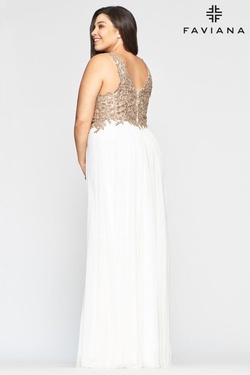Style 9428 Faviana Gold Size 18 Plus Size Prom Straight Dress on Queenly