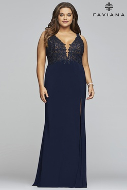 Style 9463 Faviana Blue Size 22 Prom Polyester Side slit Dress on Queenly