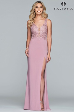 Style 10204 Faviana Purple Size 12 Plunge Lace Plus Size Side slit Dress on Queenly