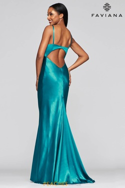 Style S10405 Faviana Green Size 8 Prom Silk Mermaid Dress on Queenly