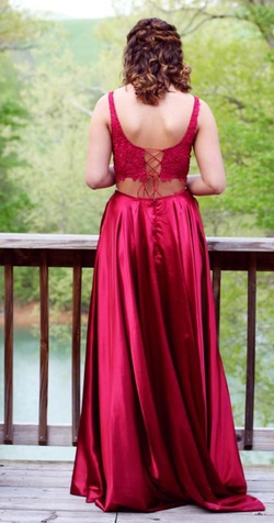 Sherri Hill Red Size 6 Two Piece Side slit Dress on Queenly
