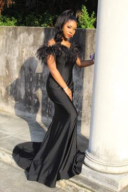 Alyce Paris Black Size 4 Train Dress on Queenly