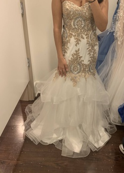Queenly size 0 Camille La Vie White Mermaid evening gown/formal dress