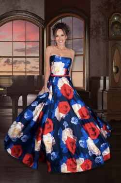 Mac Duggal Multicolor Size 6 Ball gown on Queenly