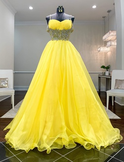 Queenly size 6 Sherri Hill Couture Yellow Ball gown evening gown/formal dress