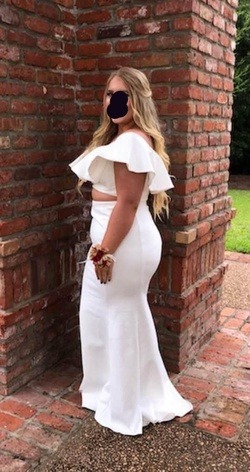 White Size 14 Straight Dress on Queenly