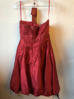 May Queen Red Size 6 Sorority Formal Cocktail Dress on Queenly