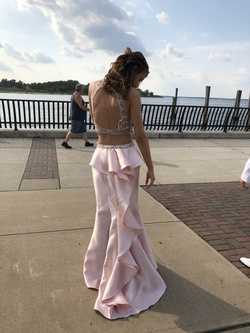 prom girl Pink Size 4 Train Dress on Queenly