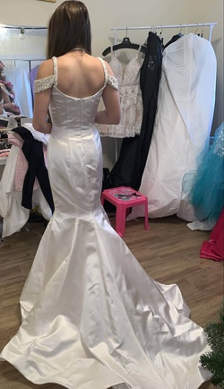 Style 51669 Sherri Hill White Size 2 Prom Mermaid Dress on Queenly