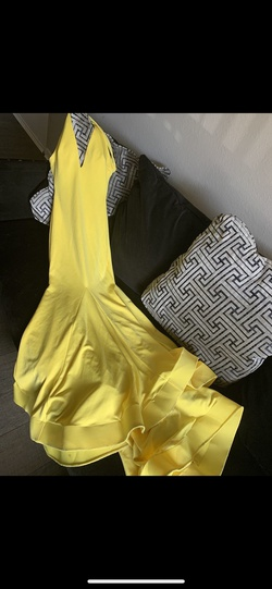 Queenly size 0  Yellow Train evening gown/formal dress